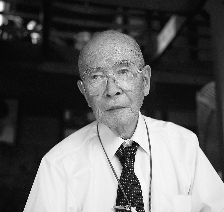 石井健治郎氏